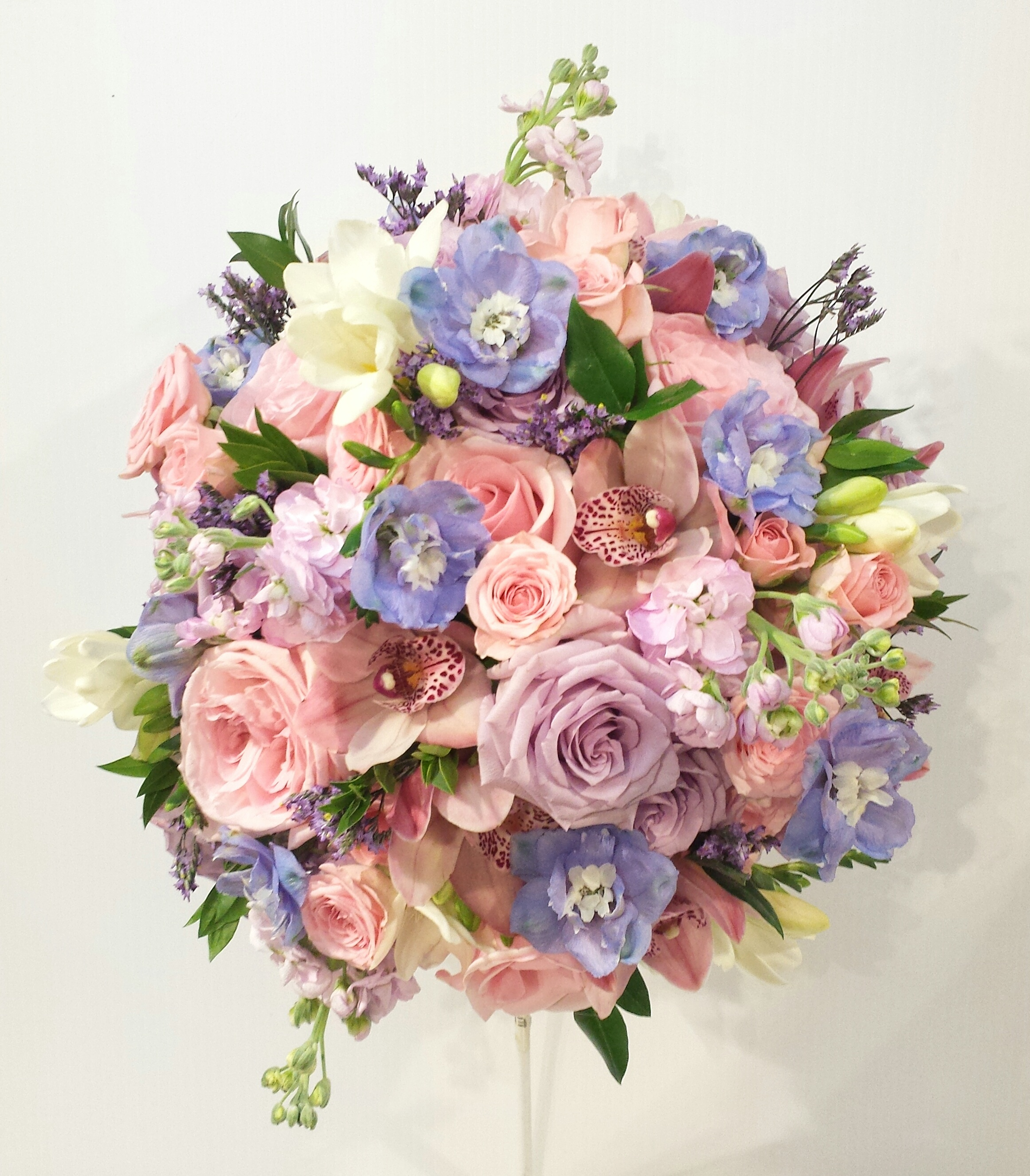 Pastel Wedding Flowers: Fusion Mixed Colored Bouquets