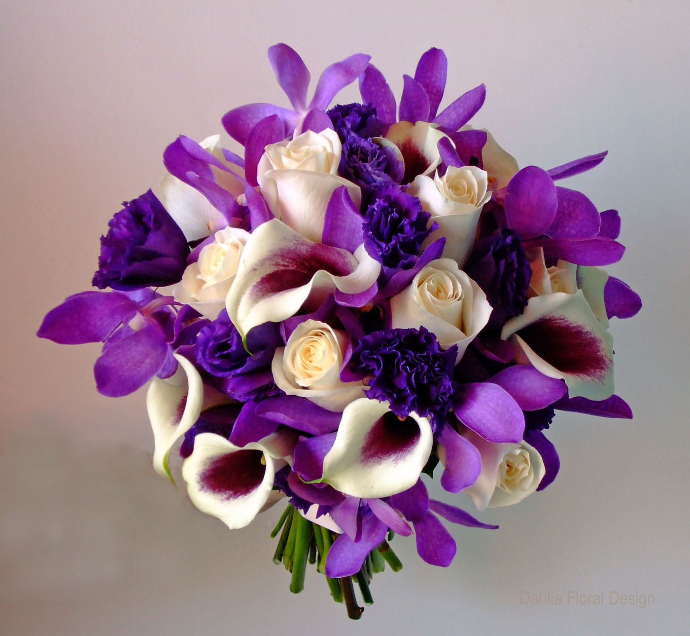 puprple wedding flowers
