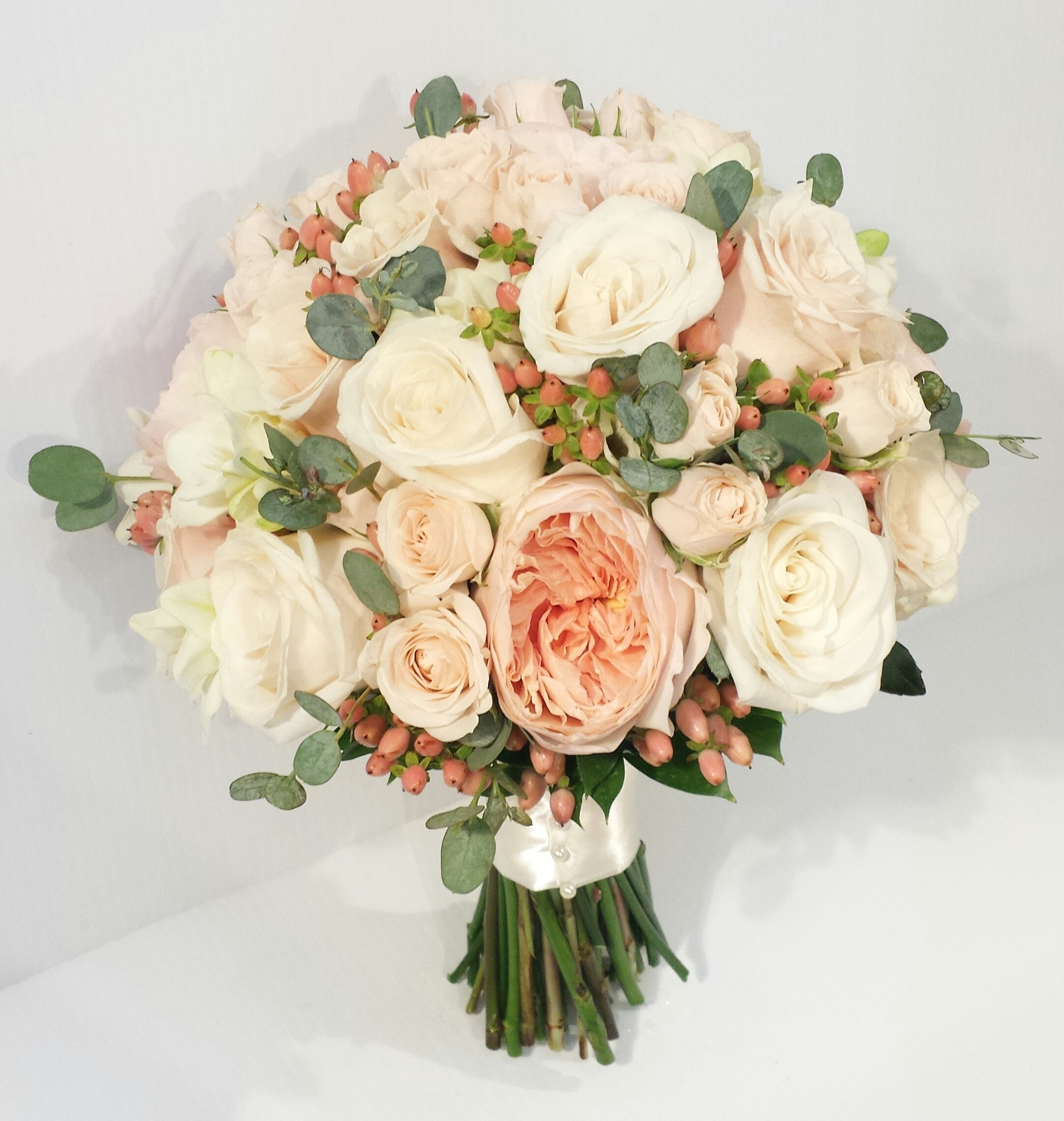 peach and coral wedding bouquets dahlia floral design. Black Bedroom Furniture Sets. Home Design Ideas