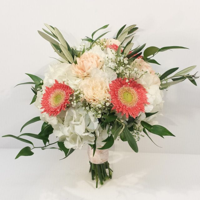 calgary wedding flowers florist dahlia floral design yyc weddings real weddings inspiration bridal bouquet wedding flowers coral peach cream wild rustic boho