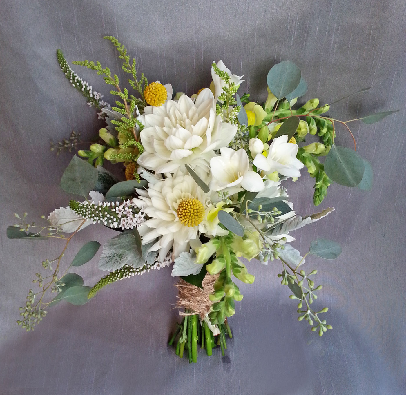 Wedding Flower Tips: Rustic And Natural Wedding Bouquets